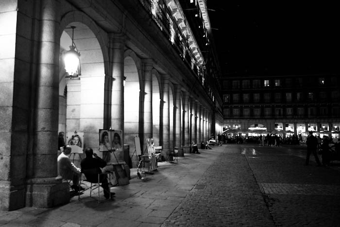 Artists in Plaza Mayor